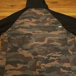 O'Neill Jackets & Coats - O'Neill camo and black traveler jacket